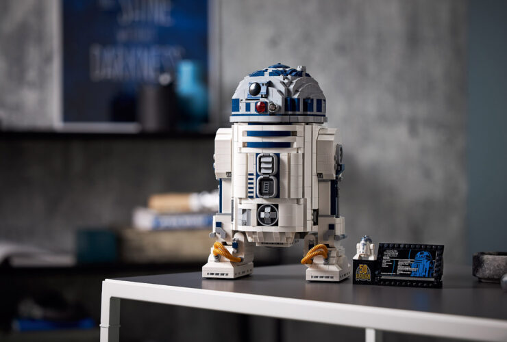New LEGO Star Wars R2-D2: now with more WOW FACTOR!